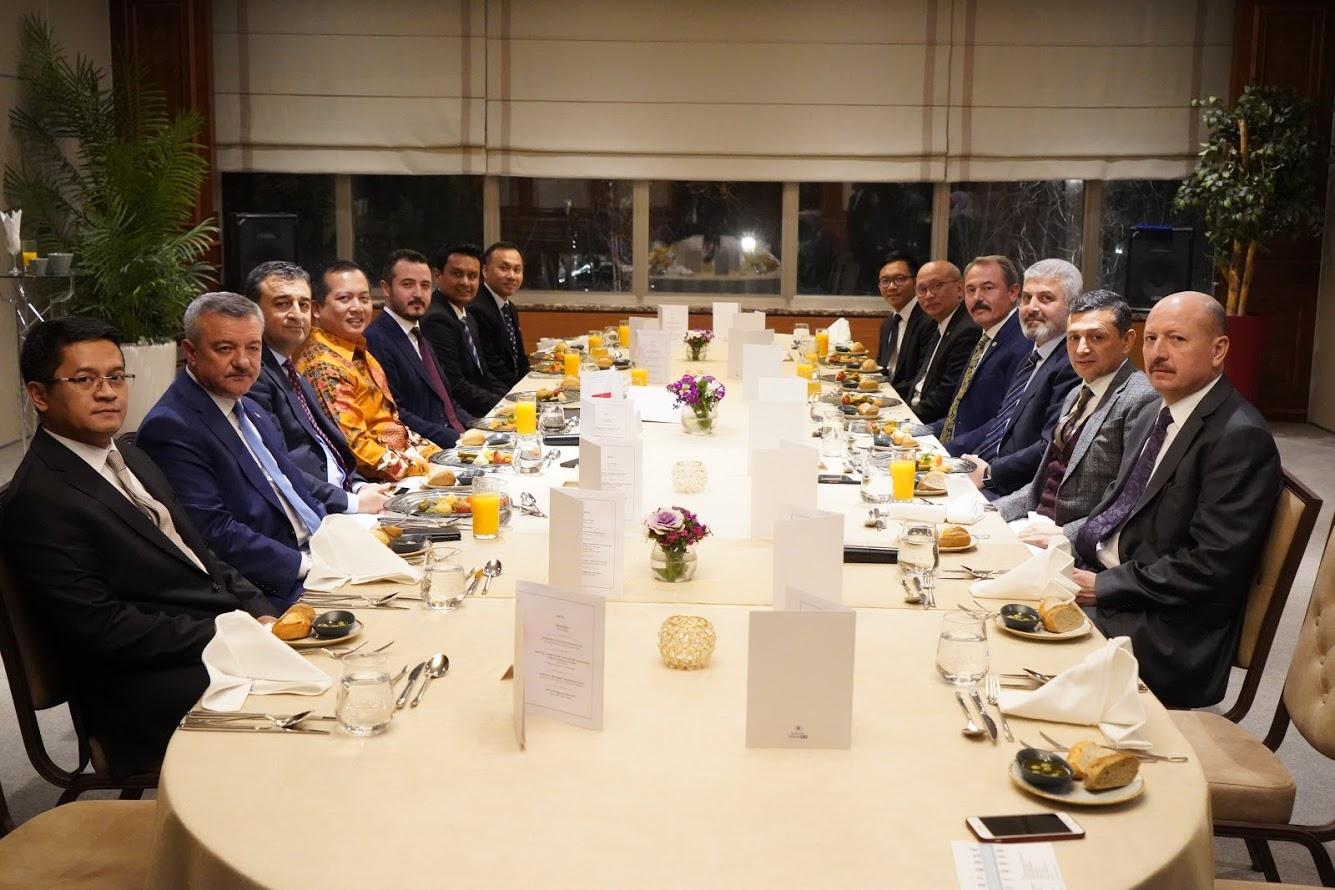 Etiket Pertemuan Bisnis di Turki